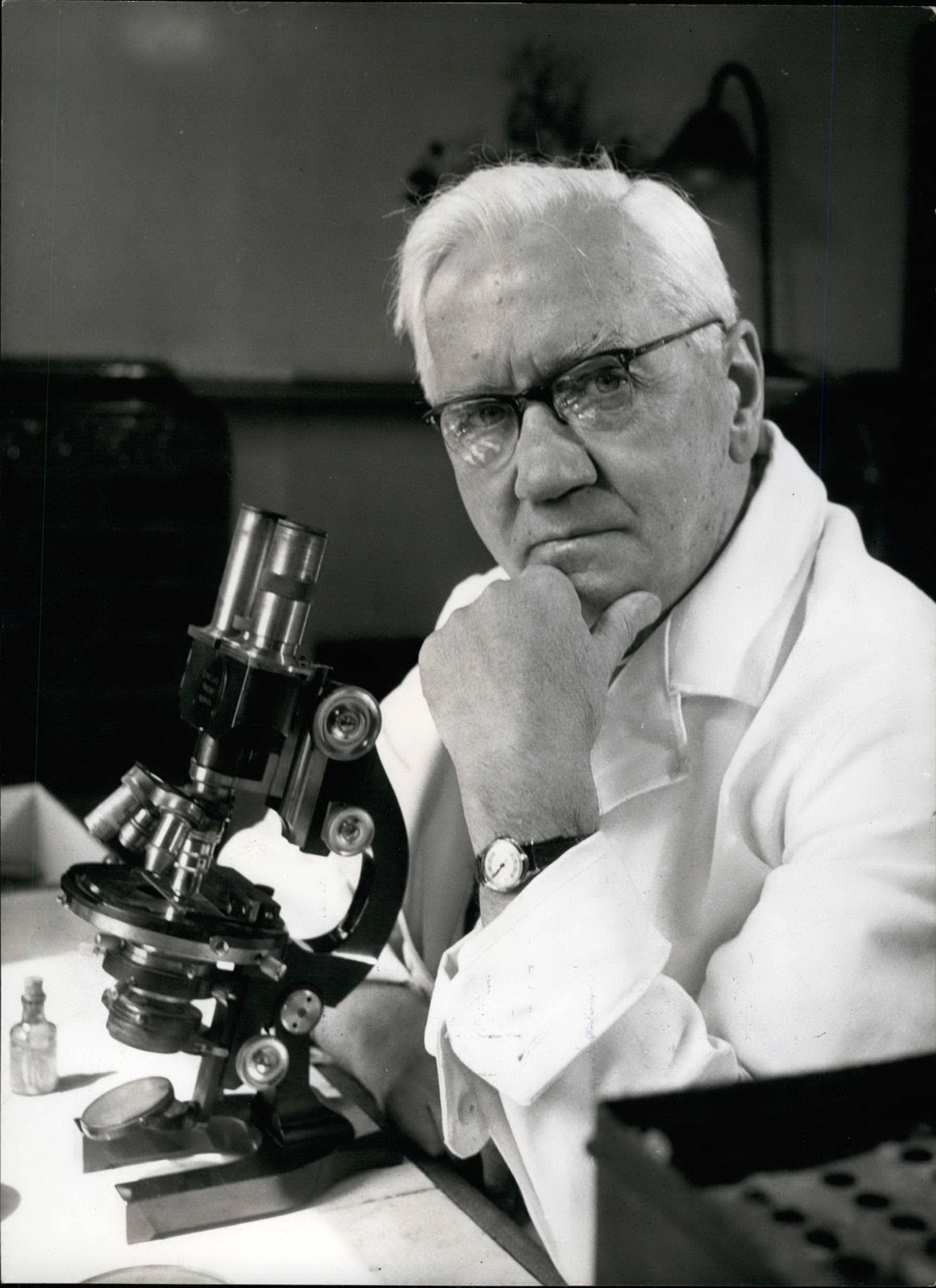Алекса́ндр Фле́минг (Alexander Fleming)