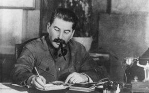 joseph staline en 1949 300x187 - Иосиф Сталин