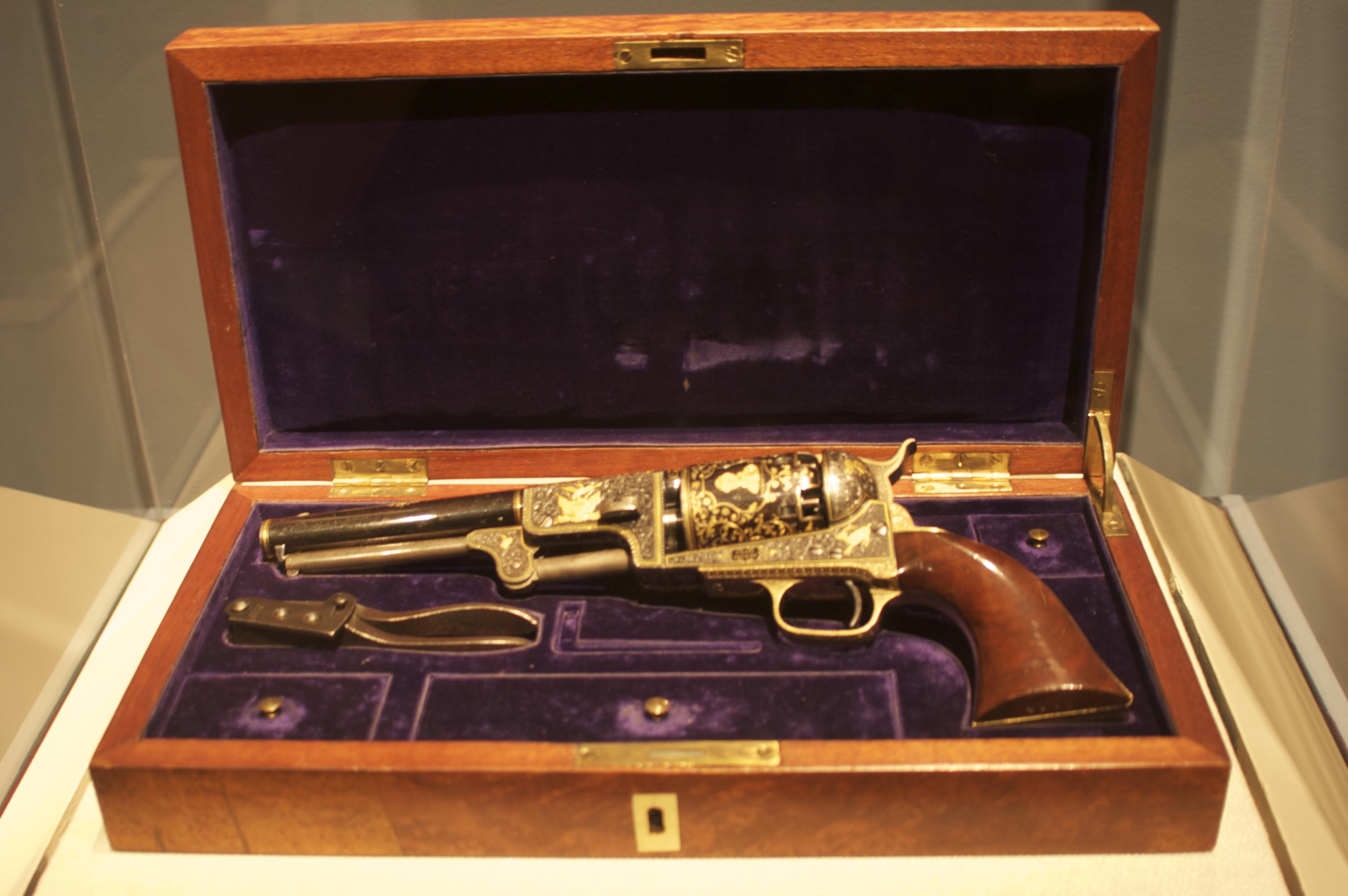 револьвер подаренный турецкому султану - Сэмюэль Кольт
