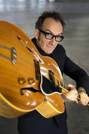 Элвис Костелло (Elvis Costello), настоящее имя Деклан Патрик Макманус