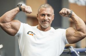 линдовер 300x197 - Станислав Линдовер: спортивная карьера и личная жизнь