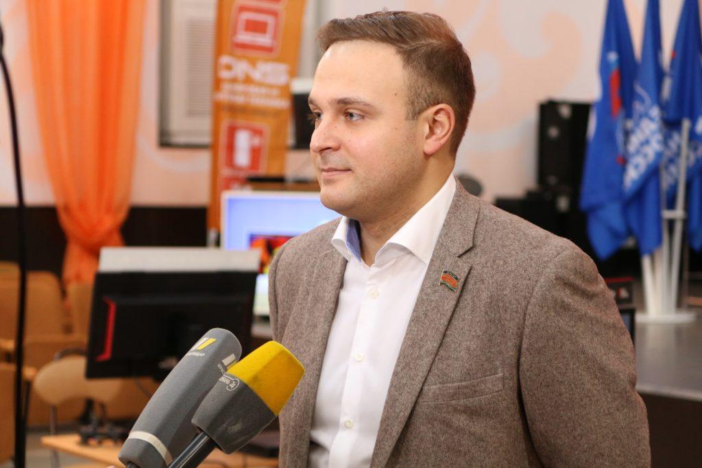 cDJTLnvFuxg 1024x683 - Олег Бойченко